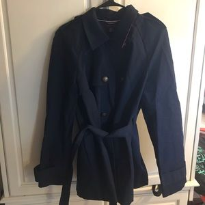 Tommy H short trench